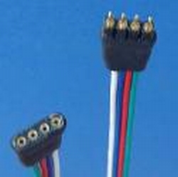 Koppelsnoer voor RGB strips 30 cm met 1 stekker  per stuk